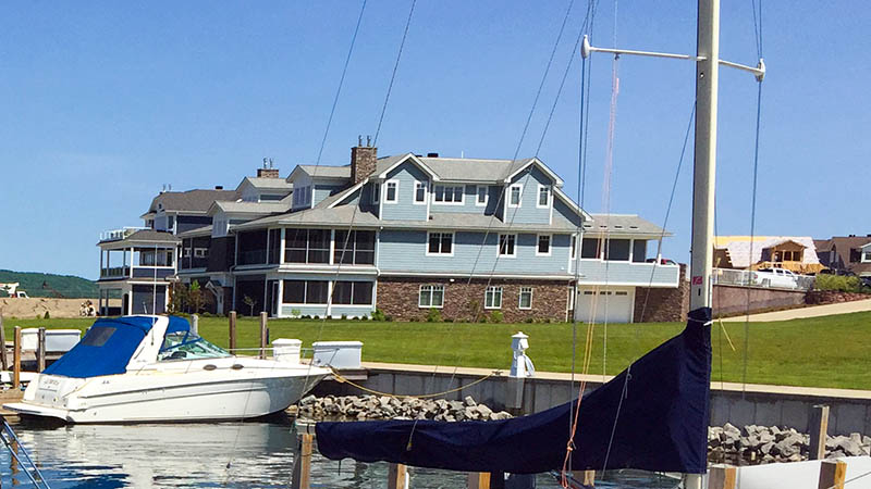 condos and town homes on Lake Charlevoix in Boyne City, MI