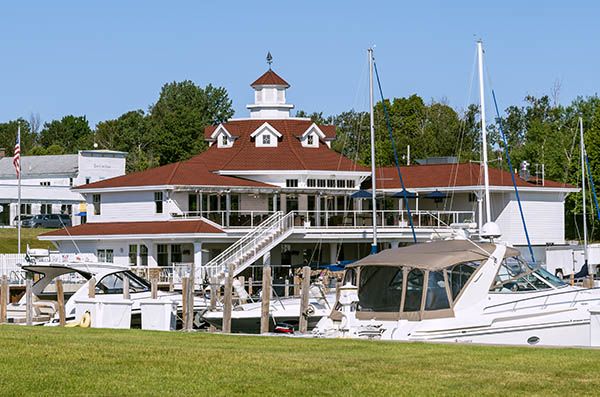 Sommerset Pointe restaurant and marina